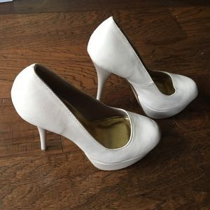 Beige Pumps SZ 6